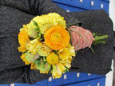 Something Yellow... johann@daisyfloralart.co.za