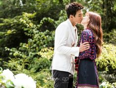 Doctors: Kim Rae Won and Park Shin Hye behind the scence PD note Doctors Korean Drama, Kim Rae Won, Drama 2016, Hallyu Star, Park Shin Hye, Parks, Crushes, Actresses, Couple Photos