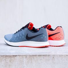 Nike Air Zoom Pegasus 31: Graphite/Crimson