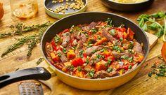 Köstliches Rezept für Rinderfiletspitzen mit Ratatouille aus der Pfanne. Licht zuzubereiten und einfach lecker.