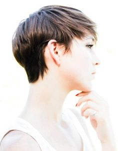 30 Chic Pixie Haircuts: Elegant Lady with Stylish Short Hairstyle