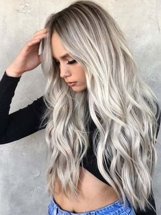 If you like blonde hair shading, you ought to have all out and suitable data about which blonde hair shading considerations are perfect for which seas. Ombre Curly Hair, Ombre Hair Color, Long Curly Hair, Curly Hair Styles, Grey Ombre, Ash Grey, Cosplay Hair, Cosplay Wigs, Cosplay Style