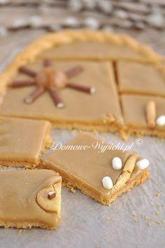 Mazurek chałwowy Polish Desserts, Polish Recipes, Cookie Desserts, No Bake Desserts, Baking Recipes, Cake Recipes, Dessert Recipes, Sweet Bakery, Homemade Cakes