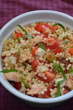 Salade de pâtes au saumon et aux deux tomates