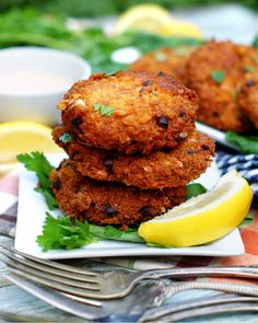Easy Southern Salmon Patties - southern discourse Salmon Recipes, Fish Recipes, Seafood Recipes, Cooking Recipes, Meal Recipes, Dinner Recipes, All You Need Is, Southern Salmon Patties
