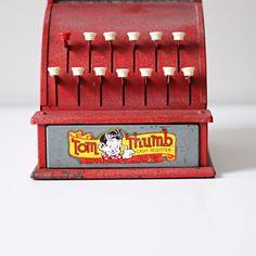Vintage Tom Thumb Register.