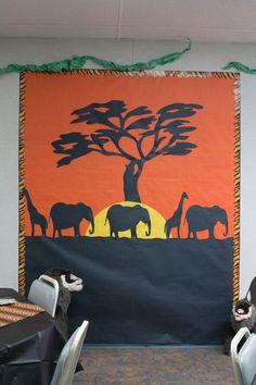 Jungle classroom door safari theme new ideas Safari Party, Safari Theme, Jungle Safari, Safari Animals, Jungle Theme Classroom, Classroom Themes, Classroom Door, Rainforest Classroom, Dinosaur Classroom