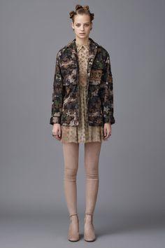 Valentino: pre-fall 2016 une Ocidente e Oriente - Vogue   Desfiles