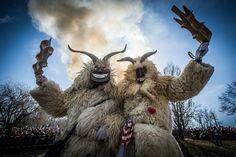 Ilyen volt az idei busójárás - képek - I Love Hungary Busan, Eastern Europe, Hungary, Winter Wonderland, Goats, Beautiful People, Lion Sculpture, Places To Visit, Seasons