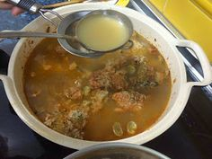 Me sabe a Málaga: Arroz caldoso a la malagueña Cheeseburger Chowder, Soup, One Pot Dinners, Rice, Vegan, Soup Appetizers, Soups, Chowder