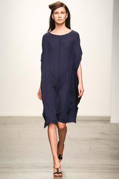 A Détacher 2015 Ready-to-Wear Collection Slideshow on Style.com
