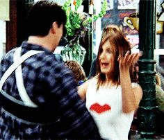 Friends gifs, silly text posts and other funny things Friends Joey And Rachel, Joey Friends, Ross And Rachel, Friends Cast, Friends Gif, Friends Tv Show, Friends In Love, Friends Best Moments, Friends Scenes