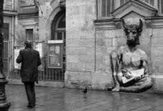 """Levalet paints """"Minotaur on the streets of Paris, France"""