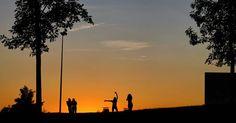 Sunset... #madrid #places#lugares #people#gente#urbanscenes #escenasurbanas #autumn #otoño #canonEOS5DMarkIV #sunset #puestadesol #sky