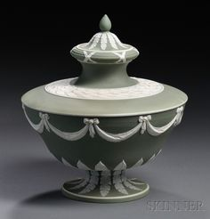 Wedgwood Green Jasper Dip Vase and Cover, England, mid-19th century
