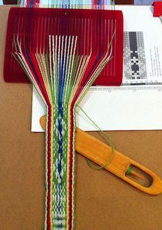 Sami Loom - weaving complex patterns on a simple loom