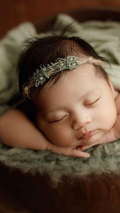 Fabric Flower Headbands, Fabric Flowers, Diy Headband, Newborn Headbands, Baby Hair Clips, Hair Bows, Newborn Tieback, Baby Poses, Newborn Photography Props