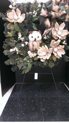 Square wreath with Magnolias and lg Owl...Robin Evans