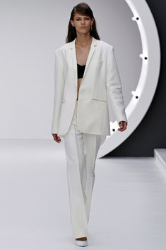Topshop Unique Spring 2013 Ready-to-Wear Fashion Show - Emilia Nawarecka