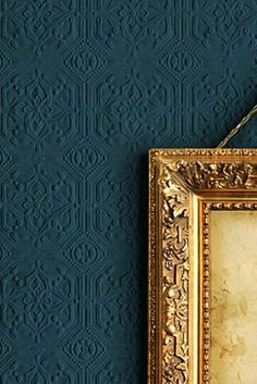 Okay not a fan of wallpaper. however, this dark teal painted textured wallpaper with gold accents would look GREAT in the study! Anaglypta Wallpaper, Embossed Wallpaper, Wall Wallpaper, Painted Wallpaper, Feature Wallpaper, Wallpaper Designs, Green Wallpaper, Home Design, Interior Design