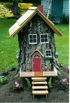 Tree stumps need not be uprooted and thrown away. Trees which have been cut down with the stump left behind can be easily recycled and reused. Well tree stump in garden works in. Fairy Tree Houses, Fairy Garden Houses, Gnome Garden, Garden Art, Fairies Garden, Fairy Village, Succulent Planters, Hanging Planters, Succulents Garden