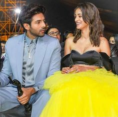 Bollywood Couples, Bollywood Actors, Bollywood Celebrities, Girls Time, S Girls, Indian Heroine, Karan Johar, Wedding Venue Decorations, Top Wedding Photographers