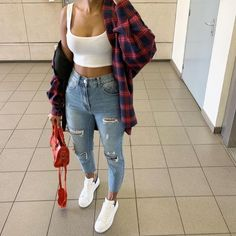 everyday outfits for moms,everyday outfits simple,everyday outfits casual,everyday outfits for women Cute Comfy Outfits, Chill Outfits, Mode Outfits, Simple Outfits, Stylish Outfits, Cute Outfits With Flannels, Flannel Outfits Summer, Plaid Shirt Outfit Summer, Cute Everyday Outfits