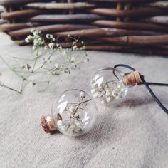 FREE WORLDWIDE SHIPPING FOR ALL ITEMS    Gypsophila flower necklace 30x25mm pendant with real dried white gypsophila inside the globe tiny glass