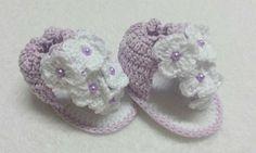 sandalinha de croche para bebe feito em linha,,,, na cor lilás ,,,, mas pode ser feito na cor que desejar.... <br>tamanhos <br>0 a 2 meses ( 08 cm) <br>2 a 4 meses ( 09 cm) <br>4 a 6 meses ( 10 cm)