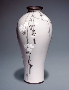 History of Cloisonné in Japan - Victoria and Albert MuseumCloisonné enamel vase decorated with hanging cherry, Namikawa Sosuke, Japan, about Museum no. © Victoria and Albert Museum, London Pottery Painting, Pottery Vase, Ceramic Painting, Ceramic Pottery, Ceramic Art, China Painting, Japanese Vase, Japanese Ceramics, Porcelain Jewelry