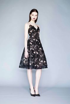 Marchesa Notte - Fall 2015 Ready-to-Wear - Look 1 of 17