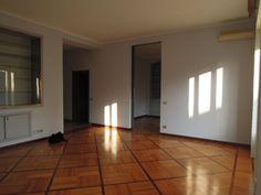 Prestigioso appartamento di ampia metratura - Via Visconti di Modrone, Milano http://www.bimoimmobili.it/Immobile/Prestigioso-appartamento-di-ampia-metratura-80.html