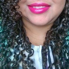 Amores tem novo post no blog, vem ver que batom é esse!Um lip balm com cobertura hidratante e alta fixação lindo de viver.Adoro 😍https://goo.gl/9sWLfv #itgirlsbrazil #revlon #Colorbust #balm #lipbalm  #resenha #batom #altafixação #vinho #roxinho #uva #brilho #boca #me #selfie #vidadeblogueira #make #makeup #maquiagem #love #follow #linda #cachospoderosos #sabadão #fds #vidadeblogueira #lotd ❤