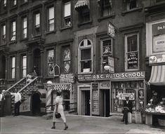 Harlem Street: II. 422-424 Lenox Avenue, Manhattan. (June 14, 1938). NYPL Digital Gallery.