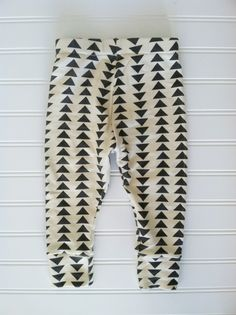 organic cotton flying triangle leggings