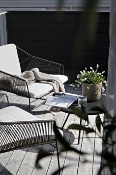 Pergola With Retractable Canopy Kit Info: 8247676146 Outdoor Balcony, Backyard Pergola, Outdoor Chairs, Outdoor Decor, Rooftop Garden, Pergola Kits, Balcony Gardening, Balcony Furniture, Garden Furniture