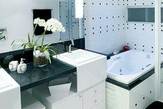 Banheiro pequeno com hidro