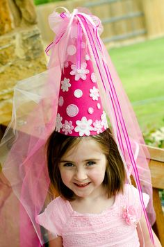 Felt Princess Hat DIY PDF Pattern. Pink with dots and daisies. So cute! #DIY #kids #princess