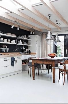 : Handmade home - Amazing House Design Kitchen Decor, Kitchen Inspirations, New Kitchen, Kitchen Interior, Home Kitchens, Dream Kitchen, Kitchen Trends, Kitchen Dining Room, Industrial Kitchen Design