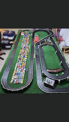 Slot Car Race Track, Slot Car Racing, Slot Car Tracks, Afx Slot Cars, Kart Parts, Model Train Layouts, Courses, Model Trains, Vintage Toys