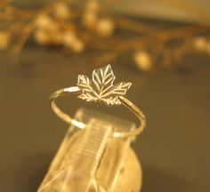 Hey, I found this really awesome Etsy listing at https://www.etsy.com/listing/121530778/black-friday-sale-maple-leaf-ring-in