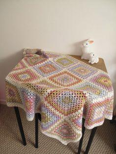 pastel crochet blanket by Petite Pimprenelle