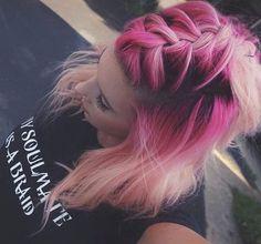 50 magical ways to style mermaid hair for every hair type .- 50 magische Weisen, Meerjungfrau-Haar für jede Haartyp zu stylen – Neue Damen Frisuren 50 magical ways to style mermaid hair for every hair type # hair type - Pastel Hair, Ombre Hair, Pastel Pink, Hot Pink Hair, Peach Hair, Pastel Colours, Pretty Hairstyles, Braided Hairstyles, Braided Mohawk