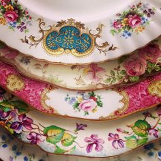 Beautiful vintage Royal Albert and Royal Doulton dinner plates available for hire! Visitwww.jacarandahire.com.au for more info!