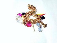 Petit Tesoro Handmade Golden chunky Bracelet with charms! Charms, Bracelets, Floral, Flowers, Handmade, Jewelry, Hand Made, Jewlery, Bijoux