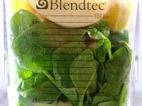green smoothie challenge...great green smoothie blog ;)