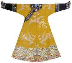 """Imperial concubine's festive robe, 1736-1795 (Qianlong period). From """"Imperial Chinese Robes from the Forbidden City"""" at the Victoria and Albert Museum"""