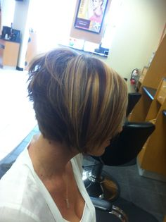 Swing bob Haircut Short In Back Long In Front short hair with layers straight Swing Bob Hairstyles, Swing Bob Haircut, Bob Haircut Back View, Layered Bob Hairstyles, Long Bob Haircuts, Haircuts For Curly Hair, Hairstyles Haircuts, Haircut Short, Hairdos