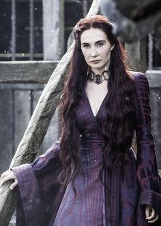 Melisandre Game of Thrones Carice van Houten / Funon. Costumes Game Of Thrones, Game Of Thrones Dress, Game Of Thrones Facts, Hbo Game Of Thrones, Got Characters, Game Of Thrones Characters, Fantasy Characters, Got Memes, Cersei Lannister