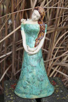 Angel with birds #ceramika #angel #anioł #ceramics #angelsculpture #aniołceramika #aniołrękodzieło #aniołek #homedecor #homedesign #keramik #enioart #angelwithbirds